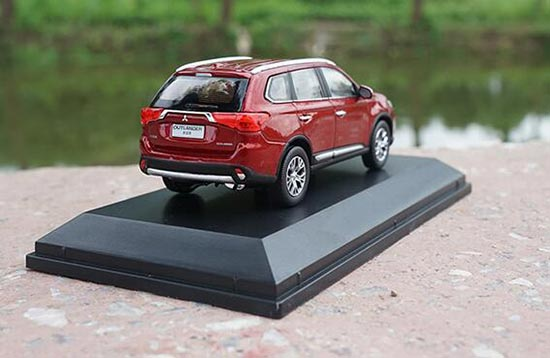 Diecast 2017 Mitsubishi Outlander Model 1 43 Scale Red Vb2a152
