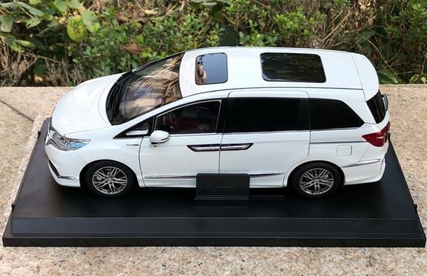 Diecast 2019 Honda Elysion MPV Model 1:18 Scale White ...